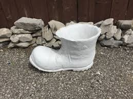 cement lawn ornaments kijiji in ontario buy sell save with