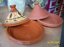 cuisiner avec un tajine en terre cuite veritable plat a tajine marocain en terre cuite destockage grossiste