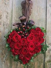 Valentines Day Decor 26 Valentine U0027s Day Décor Ideas With Flowers Fruit And Berries