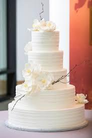 monogrammed wedding cake monogram wedding monograms and navy ribbon