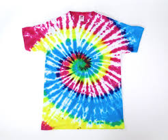 how to tie dye an old white shirt 14 steps with pictures