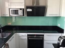 credence cuisine sur mesure credence cuisine verre trempe 8 de en laque blanc perle cr dence