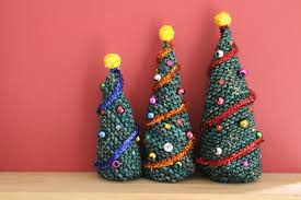 knitted christmas knitted christmas trees the twisted yarn