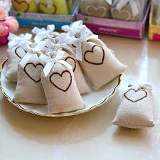 custom favor bags personalized burlap heart party favor and wedding favor bags