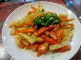 cuisiner des carottes la poele recette carottes et pommes de terre sautées toutes les recettes