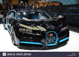 bugatti chiron engine bugatti chiron stock photos u0026 bugatti chiron stock images alamy