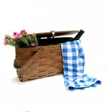 country wine basket best 25 wine picnic basket ideas on picnic ideas