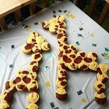 giraffe baby shower cakes 25 best giraffe cupcakes ideas on jungle cupcakes