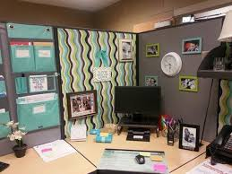 Interior How To Decorate Your Cubicle At Work Decorations fice