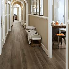Ceramic Floor Tile That Looks Like Wood Wilderness Porcelain Plank Tile A Classic American Hardwood Look