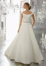 wedding dress necklines wedding dress designers favorite necklines woman getting married