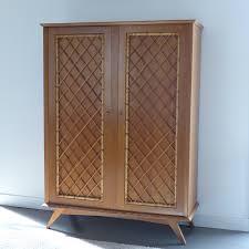meubles en rotin armoire vintage avec croisillons en rotin lignedebrocante