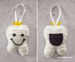 10 crochet patterns for tooth fairy pillows pouches