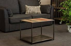 table basse bout de canapé table basse de style industriel conçue en bois recyclé et en
