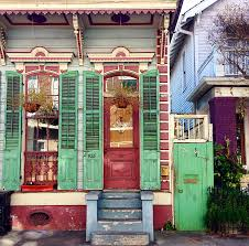 new orleans colorful houses paint that house then add shutters jungalowjungalow