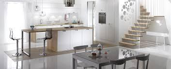 cuisine blanche ouverte sur salon modèles de cuisines mobalpa modèle et cuisine équipée