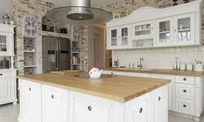 comptoir cuisine bois comment choisir et entretenir les surfaces de travail en bois