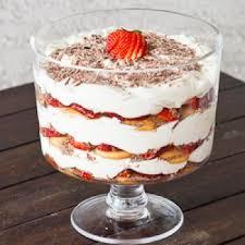 cuisine italienne tiramisu facile tiramisu aux fraises et chocolat recettes de cuisine italienne