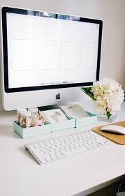 Computer Desk Wallpaper Iheart Organizing Uheart Organizing A Pretty Organized Desktop
