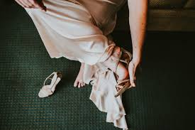 wedding shoes ny olde tater barn wedding brianne nick traverse the tides