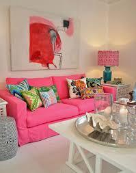 canape fushia chambre decoration petit salon salon moderne blanc tapis salon