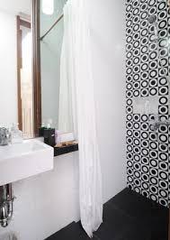 desain kamar mandi warna hitam putih desain keramik kamar mandi kamar mandi minimalis