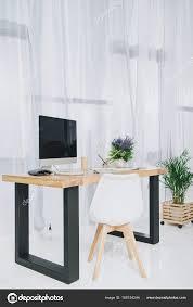 table de travail bureau table travail avec ordinateur bureau maison lumineuse photographie
