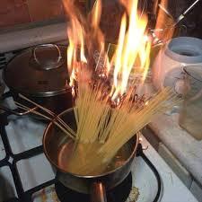 feu de cuisine voici pourquoi je ne cuisine jamais alors quoi de