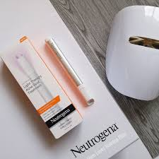 neutrogena light therapy acne spot treatment review mom loves makeup neutrogena light therapy acne spot treatment review