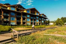 parksville hotels the club resort bellstar hotels parksville in bc canada