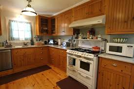 Cleaning Wood Kitchen Cabinets by How To Clean The Tops Of Kitchen Cabinets With Vinegar Baking Soda