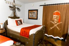 Pirate Ship Bed Frame Awesome Caribbean Beach Pirate Rooms Disney World Travelingmom
