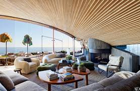 Beach Home Interior Design by A John Lautner Beach House In Malibu Is Revitalized John Lautner