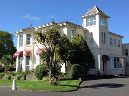 sunningdale holiday apartments torquay self catering sea views