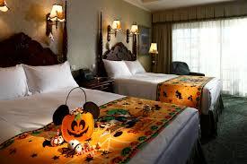 disney halloween haunts dvd halloweenthemedhotelroommakeover1 jpg