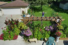 ads hbt osmocote sept2017gardening sessionfrom the editor george and theresa rebersky enjoy growing an assortment of colorful annuals perennials vegetables herbs and gigantic pumpkins in their suburban worth