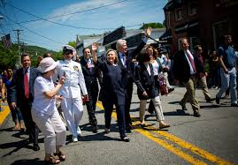 clintons march in memorial day parade video nytimes com