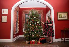 Pictures Of Homes Decorated For Christmas On The Inside 2016 Candlelight Celebration Tryon Palace