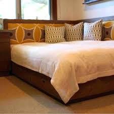 cool queen beds cool corner bed headboard best ideas about corner headboard on