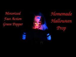 Spooky Halloween Prop Tutorials One Armed Grave Grabber Foam 94 Best Hallo Anleitung Figuren Mechanik Images On
