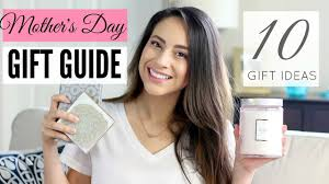 10 beauty gifts for mom mothers day gift guide 2017 10 gift ideas for mom what to buy your mom for her birthday or