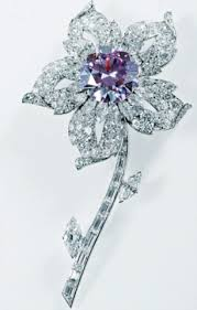 Wedding Gifts Queen Elizabeth Diamond Jubilee Queen U0027s Gowns And Jewellery Have Made Her The