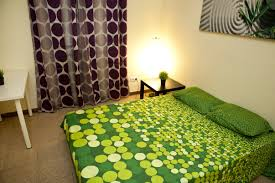 rent student room with double bed barcelona happycasa