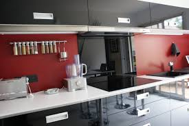 cuisine noir et rouge decoration cuisine modern cuisine moderne o modern marocaine