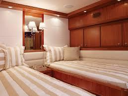 Twin Bed Room Bertram 70 Twin Bedroom Luxury Yacht Offshorelife Bertram 70
