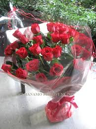 big bouquet of roses rose000 big 30 ecuadorian roses handtied rose000