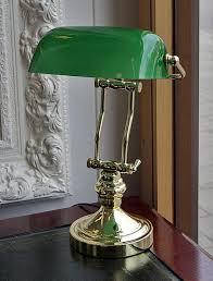 le de bureau banquier laiton verre vert de banquier laiton abat jour vert support