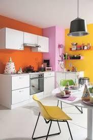 peinture orange cuisine associer la peinture orange dans salon cuisine et chambre couleur