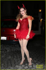 kelly brook shows off her horns for halloween party photo 3231935