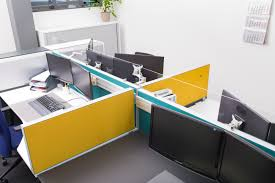 U Schreibtisch Den Schreibtisch Richtig Positionieren U2013 Darauf Sollte Man Achten